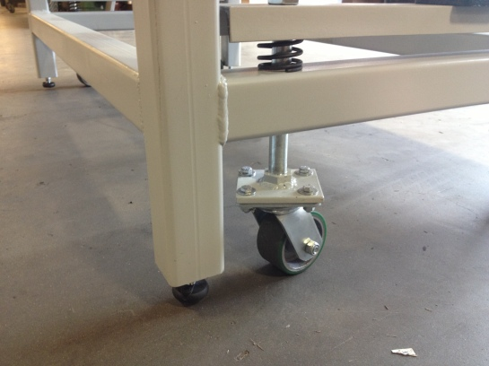 Heavy Duty Workbench On Retractable Casters